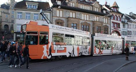 Couple leaves cash stash on Basel tram