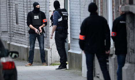 'Fresh links' between Paris attacks and Brussels raid