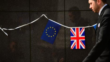 British expats challenge voting block in EU referendum