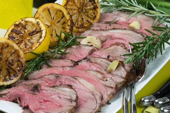 How to make Swedish roast lamb with garlic
