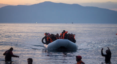 Italy migrant route must end, says Austria