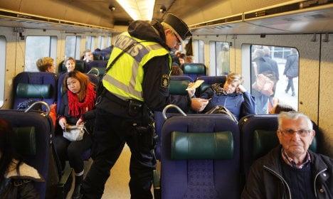 Sweden to halt border checks – for two weeks