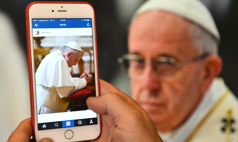 Pope Francis posts first picture on Instagram
