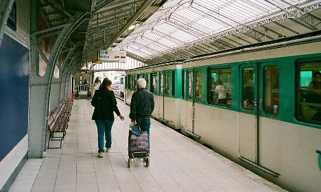 American art student sexually assaulted on Paris Metro