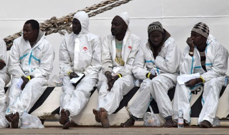 Two migrants dead as Italy rescues 2,000 off Libya