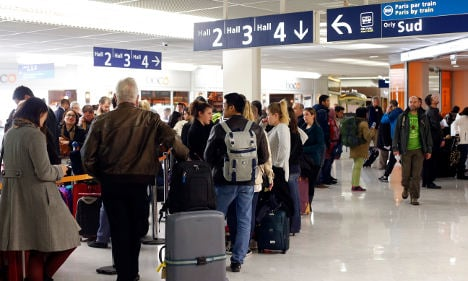 Flights in France to be hit by air traffic controllers' strike