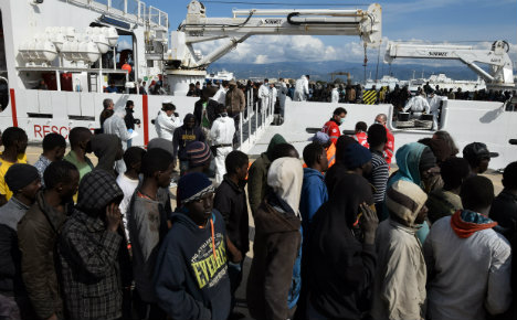 'Six thousand migrant arrivals is not an invasion': Renzi