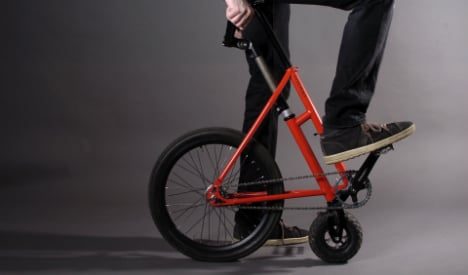 Inventor hopes to woo city-slicker hipsters with 'half-bike'