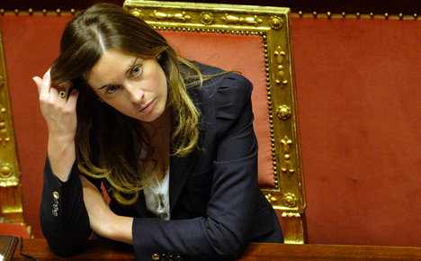 Italian minister questioned over oil scandal