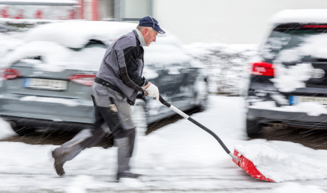 Central Germany gets April Fooled with heavy snowfall