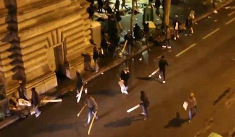 VIDEO: Mass street brawl erupts at Paris migrant camp
