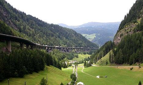 EU attacks Austria's planned 'migrant fence' on Italy border