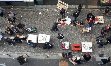Parisians sue City Hall as streets turn into 'public bin'
