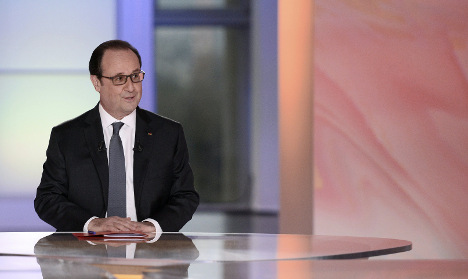 Hollande vows to decide on presidency bid at end of year