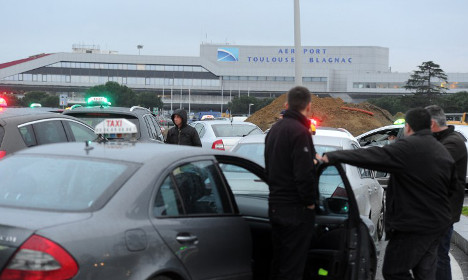 Taxi driver protest to halt transport in Toulouse