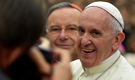 Pope Francis hears teenagers' sins