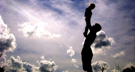 Fathers should share parental leave, says commission