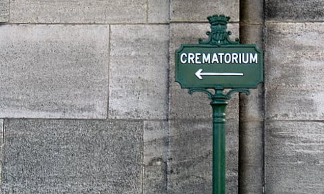Family of man 'too big for tomb' warn overweight French