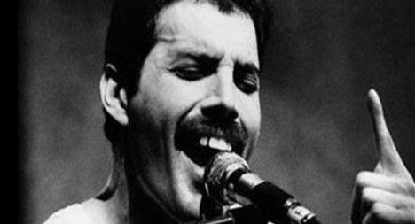 Was Freddie Mercury a better singer than Pavarotti?