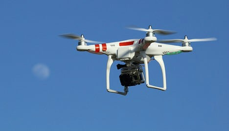 Plane forced to dodge THREE drones to land in Bilbao