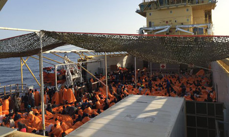 Norwegian ship rescues over 1,000 refugees