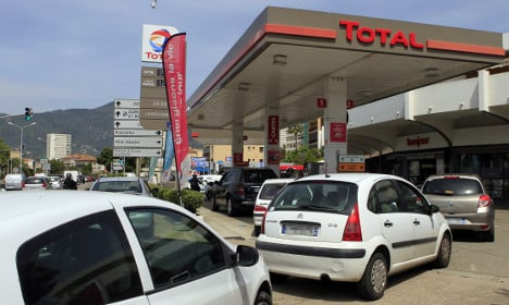 French petrol prices rise as companies profit from crisis