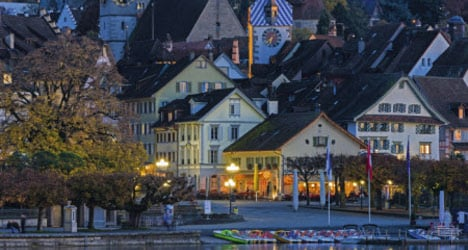 Zug to let residents pay bills using bitcoin