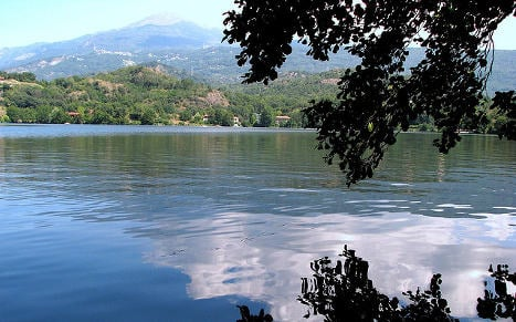 Migrant who survived boat wreck drowns in Italian lake