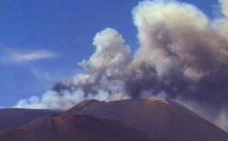 Huge ash cloud over Etna as volcano erupts again