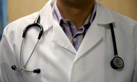French doctors accused of 'extorting' migrants
