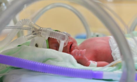 New father's tragic herpes warning touches 1000s online
