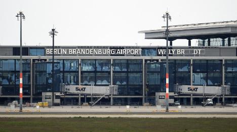 Plan to open Berlin airport in 2017 finally (inevitably) dead