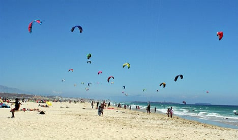 Two kitesurfers swept away by strong currents off Tarifa