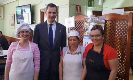 King of Spain stops for €11 motorway lunch
