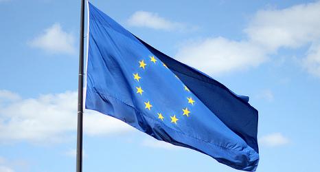 Survey: tighten borders but keep EU accords, say Swiss