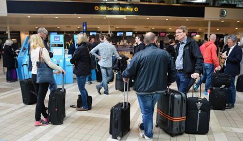 Delays after IT problems halt Stockholm air traffic