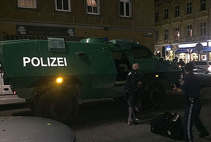 Police APC protects right-wing vigil for murder victim