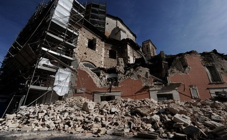 Italy court acquits engineer sentenced for quake deaths