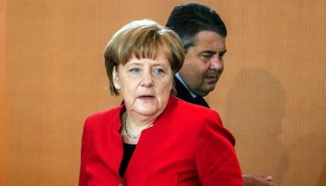 Support for Merkel govt dips below 50 percent