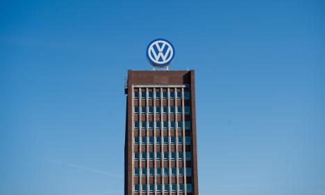 Scandal-hit VW gives staff €3,950 bonus