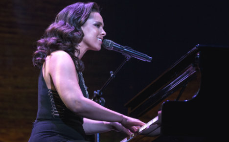 Alicia Keys to sing live at Milan Champions League final