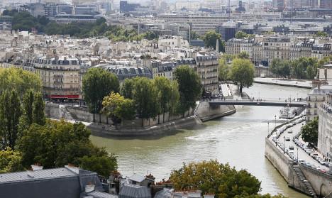 Paris property prices gone mad? €50,000 for 3m² 'loft'