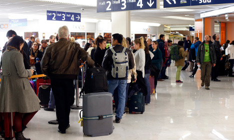 French air traffic control unions call for June strikes