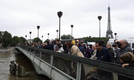 Paris floods ease but fresh alerts in France's north