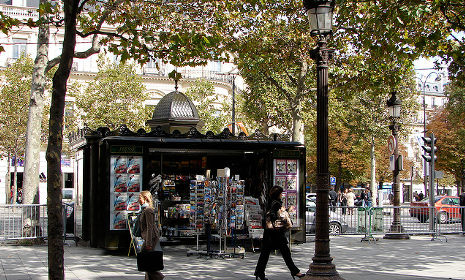 Paris revolts at plan to modernize historic kiosks