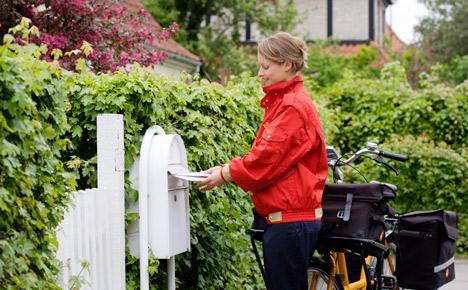 Postal service brings back express mail at huge mark-up