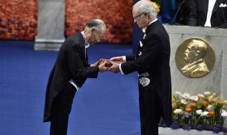 Swedish King joins heated Nobel Prize row
