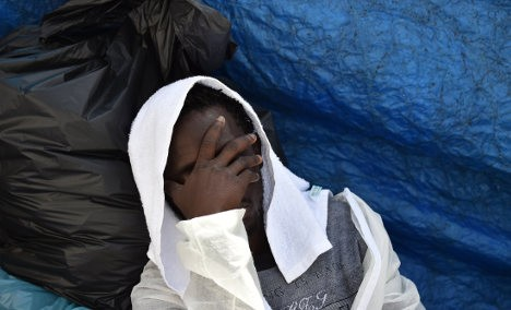 At least 10 dead on sinking migrant boat: coastguard