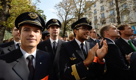 More Air France pilots call for strike during Euro 2016
