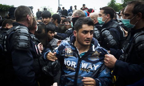 Paris cops clear out migrant camp for 23rd time